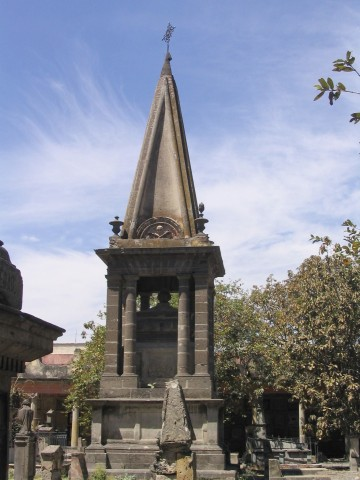 mausoleo-de-los-cuervos-panteon-de-belen